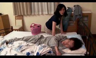 Mae e filho fazendo sexo pela manha