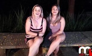 Mônica Lima e Fernandinha Fernandez dogging na praça da putaria
