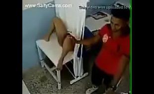 Médico safado flagrado com paciente e o corno