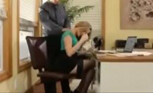 Mia Malkova trepando em escritório